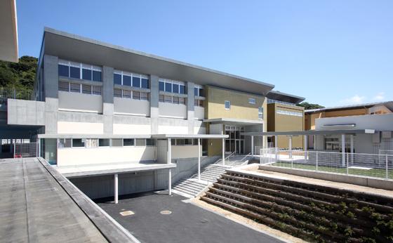 和歌山北高校西校舎複合施設