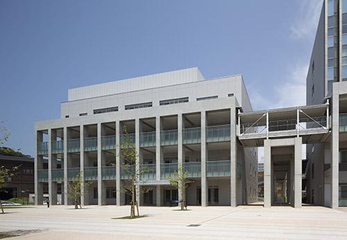 九州大学センター4号館